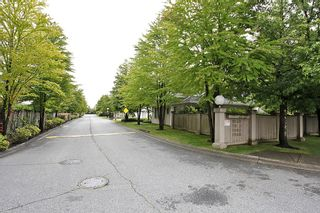 Photo 1: 210 9940 151 Street in Surrey: Condo for sale : MLS®# f1402642