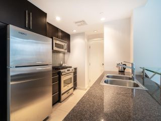 Photo 11: 1106 638 BEACH CRESCENT in Vancouver: Yaletown Condo for sale (Vancouver West)  : MLS®# R2499986