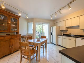 """Photo 19: 1128 IRONWORK PASSAGE in Vancouver: False Creek Townhouse for sale in """"SPRUCE VILLAGE"""" (Vancouver West)  : MLS®# R2382408"""