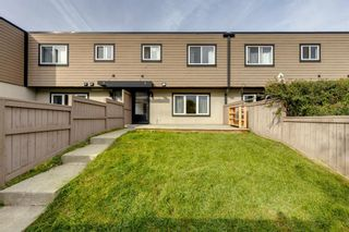 Main Photo: 6 3809 45 Street SW in Calgary: Glenbrook Row/Townhouse for sale : MLS®# A1149250