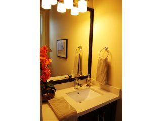 Photo 9: 857 DURWARD Avenue in Vancouver: Fraser VE House for sale (Vancouver East)  : MLS®# V970127