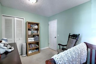 Photo 20: 408 QUEENSLAND Circle SE in Calgary: Queensland Detached for sale : MLS®# A1020270