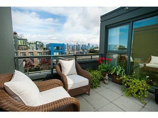 """Main Photo: 1405 W 7TH Avenue in Vancouver: Fairview VW Townhouse for sale in """"Siena of Portico"""" (Vancouver West)  : MLS®# V1060157"""
