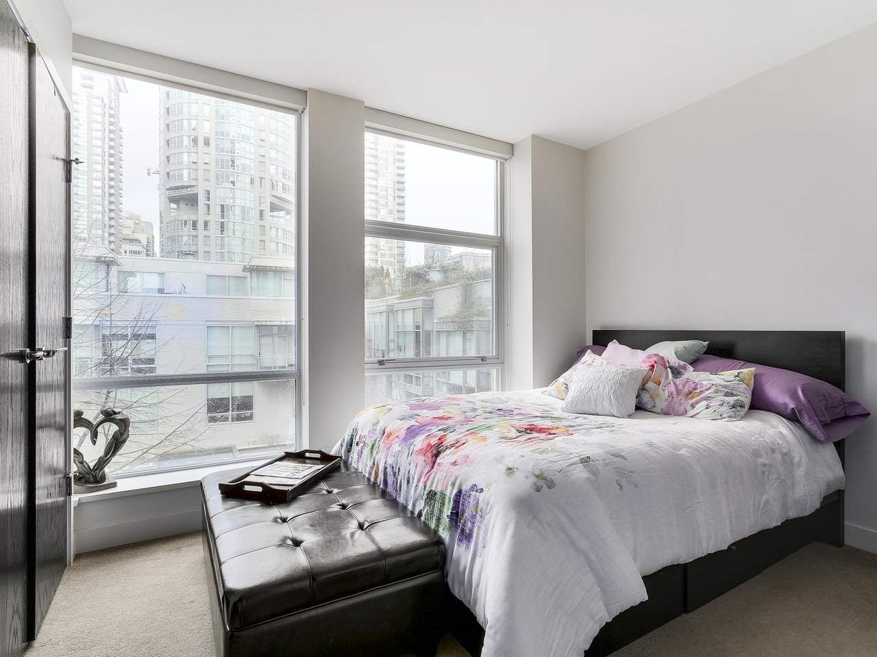 Photo 15: Photos: 401 1455 HOWE STREET in Vancouver: Yaletown Condo for sale (Vancouver West)  : MLS®# R2145939