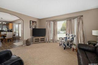 Photo 3: 104 Willard Drive in Vanscoy: Residential for sale : MLS®# SK857231