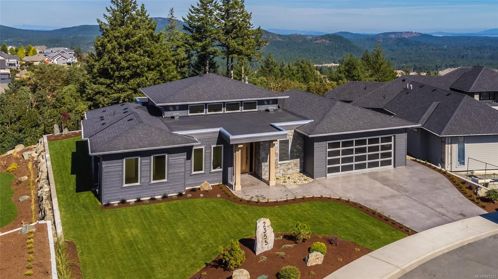 Main Photo: 2355 Lairds Gate in : La Bear Mountain House for sale (Langford)  : MLS®# 887221