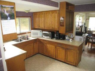 Photo 3: 12128 256th Street in Maple Ridge: Home for sale : MLS®# V1013647