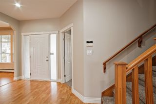 """Photo 2: 33834 GREWALL Crescent in Mission: Mission BC House for sale in """"College Heights"""" : MLS®# R2256686"""