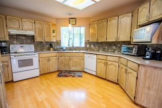 Photo 8: 19349 CUSICK Crescent in Pitt Meadows: Mid Meadows House for sale : MLS®# R2579444