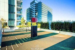 "Photo 19: 2704 488 SW MARINE Drive in Vancouver: Marpole Condo for sale in ""MARINE GATEWAY"" (Vancouver West)  : MLS®# R2211706"