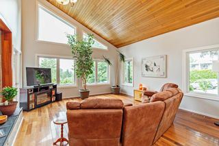Photo 3: 8092 PHILBERT STREET in Mission: Mission BC House for sale : MLS®# R2462161
