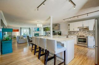 Photo 11: 21 Malibou Road SW in Calgary: Meadowlark Park Detached for sale : MLS®# A1121148