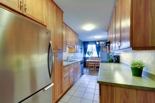 Photo 8: 312 3901 CARRIGAN COURT in Burnaby: Government Road Condo for sale (Burnaby North)  : MLS®# R2039778