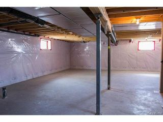 Photo 19: 143 LAKEBOURNE Drive in WINNIPEG: West Kildonan / Garden City Residential for sale (North West Winnipeg)  : MLS®# 1507417
