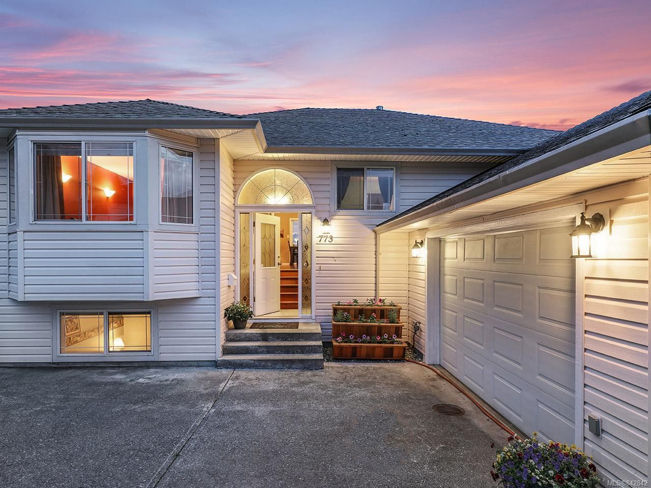 Main Photo: 773 Serengeti Ave in CAMPBELL RIVER: CR Campbell River Central House for sale (Campbell River)  : MLS®# 842842