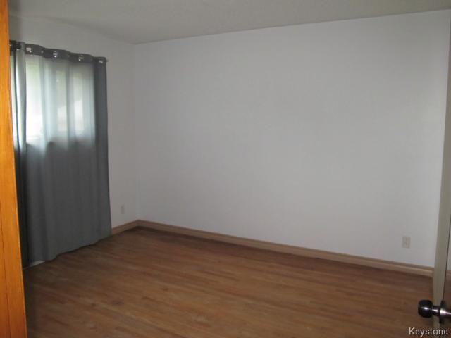 Photo 11: Photos:  in WINNIPEG: East Kildonan Residential for sale (North East Winnipeg)  : MLS®# 1414106