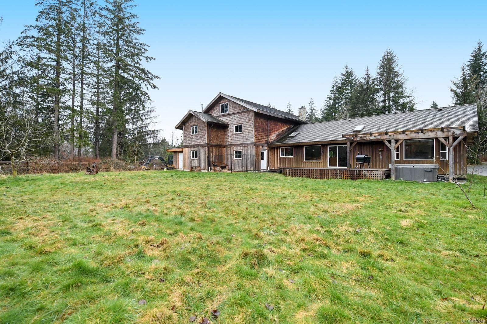 Main Photo: 2576 Macaulay Rd in : CV Merville Black Creek House for sale (Comox Valley)  : MLS®# 870248