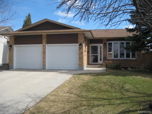 Main Photo: 311 Rose Hill Way in Winnipeg: Meadows West Residential for sale (4L)  : MLS®# 1708911