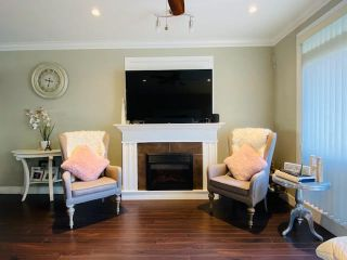 "Photo 4: 79 6383 140 Street in Surrey: Sullivan Station Townhouse for sale in ""PANORAMA WEST VILLAGE"" : MLS®# R2543747"