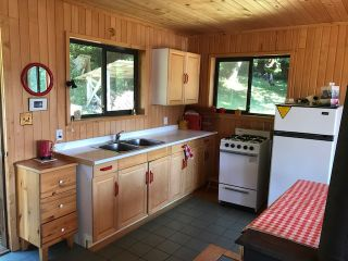 Photo 12: 226 HAIRY ELBOW Road in Sechelt: Sechelt District House for sale (Sunshine Coast)  : MLS®# R2137692