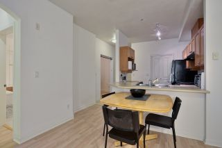 """Photo 6: 110 5605 HAMPTON Place in Vancouver: University VW Condo for sale in """"PEMBERLY"""" (Vancouver West)  : MLS®# R2018785"""