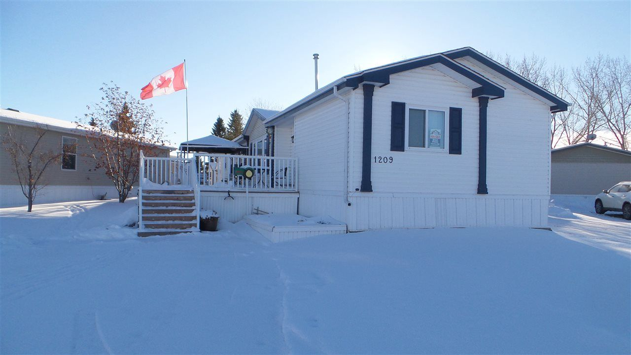 Main Photo: 1209 53222 Range 272 Road NW: Rural Parkland County Mobile for sale : MLS®# E4222276