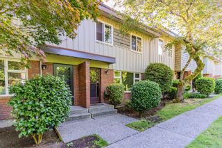 """Photo 2: 113 9061 HORNE Street in Burnaby: Government Road Townhouse for sale in """"BRAEMAR GARDENS"""" (Burnaby North)  : MLS®# R2615216"""