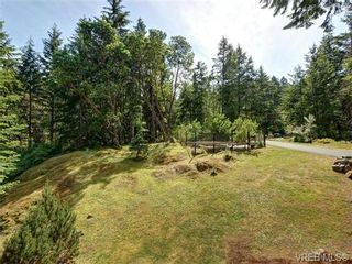 Photo 16: 636 Gowlland Rd in VICTORIA: Hi Western Highlands House for sale (Highlands)  : MLS®# 731685