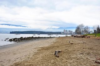"""Photo 16: 2020 MCNICOLL Avenue in Vancouver: Kitsilano House for sale in """"Kits Point"""" (Vancouver West)  : MLS®# R2428928"""