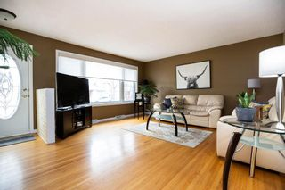 Photo 2: 645 Oakland Avenue in Winnipeg: North Kildonan Residential for sale (3F)  : MLS®# 202107268