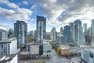 "Photo 1: 1606 1188 HOWE Street in Vancouver: Downtown VW Condo for sale in ""1188 HOWE"" (Vancouver West)  : MLS®# R2553877"
