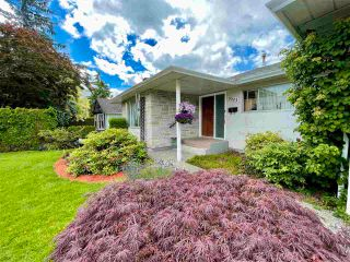 Photo 3: 8561 BROADWAY Street in Chilliwack: Chilliwack E Young-Yale House for sale : MLS®# R2593236