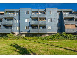 "Photo 2: 304 17661 58A Avenue in Surrey: Cloverdale BC Condo for sale in ""WYNDHAM ESTATES"" (Cloverdale)  : MLS®# R2506533"