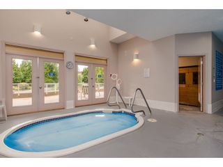 """Photo 38: 18 4001 OLD CLAYBURN Road in Abbotsford: Abbotsford East Townhouse for sale in """"Cedar Springs"""" : MLS®# R2469026"""