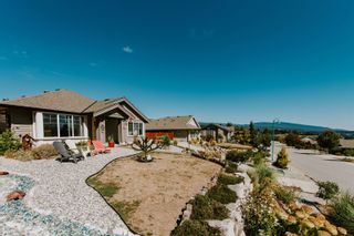 Photo 2: 6270 ORACLE Road in Sechelt: Sechelt District House for sale (Sunshine Coast)  : MLS®# R2614372