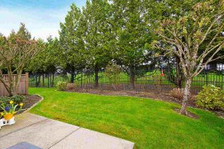 """Photo 2: 57 16655 64 Avenue in Surrey: Cloverdale BC Townhouse for sale in """"Ridgewood Estates"""" (Cloverdale)  : MLS®# R2394728"""
