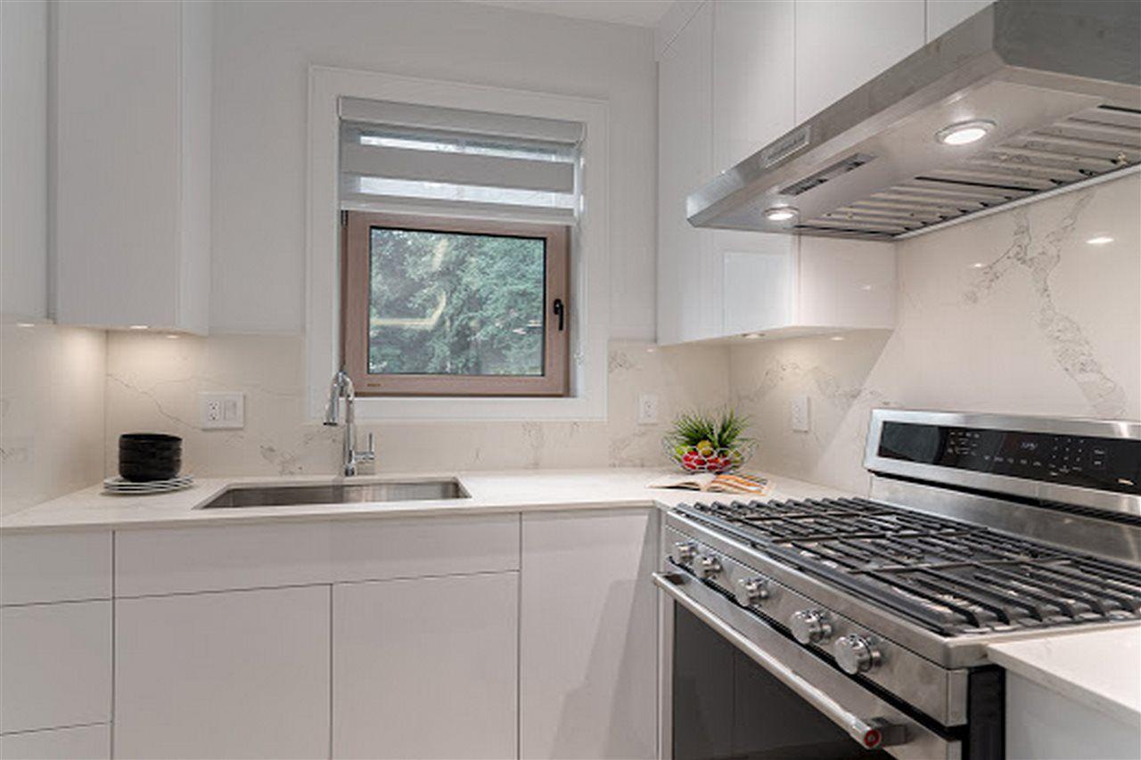 Photo 8: Photos: 3420 W 43RD Avenue in Vancouver: Dunbar 1/2 Duplex for sale (Vancouver West)  : MLS®# R2477291