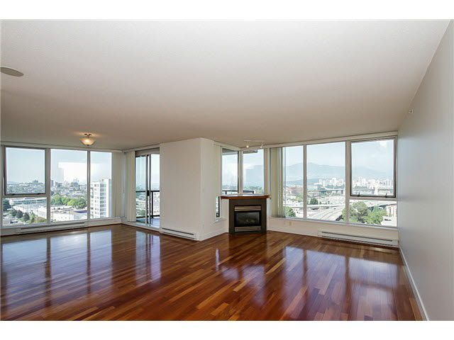 """Main Photo: 1404 1483 W 7TH Avenue in Vancouver: Fairview VW Condo for sale in """"VERONA OF PORTICO"""" (Vancouver West)  : MLS®# V1082596"""