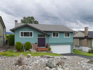 Photo 2: 4229 GLENHAVEN Crescent in North Vancouver: Dollarton House for sale : MLS®# R2465673