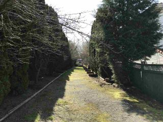 """Photo 8: 5263 WOODSWORTH Street in Burnaby: Central BN House for sale in """"Burnaby Hospital"""" (Burnaby North)  : MLS®# R2537096"""
