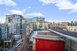 "Photo 22: 907 38 W 1ST Avenue in Vancouver: False Creek Condo for sale in ""The One"" (Vancouver West)  : MLS®# R2552477"