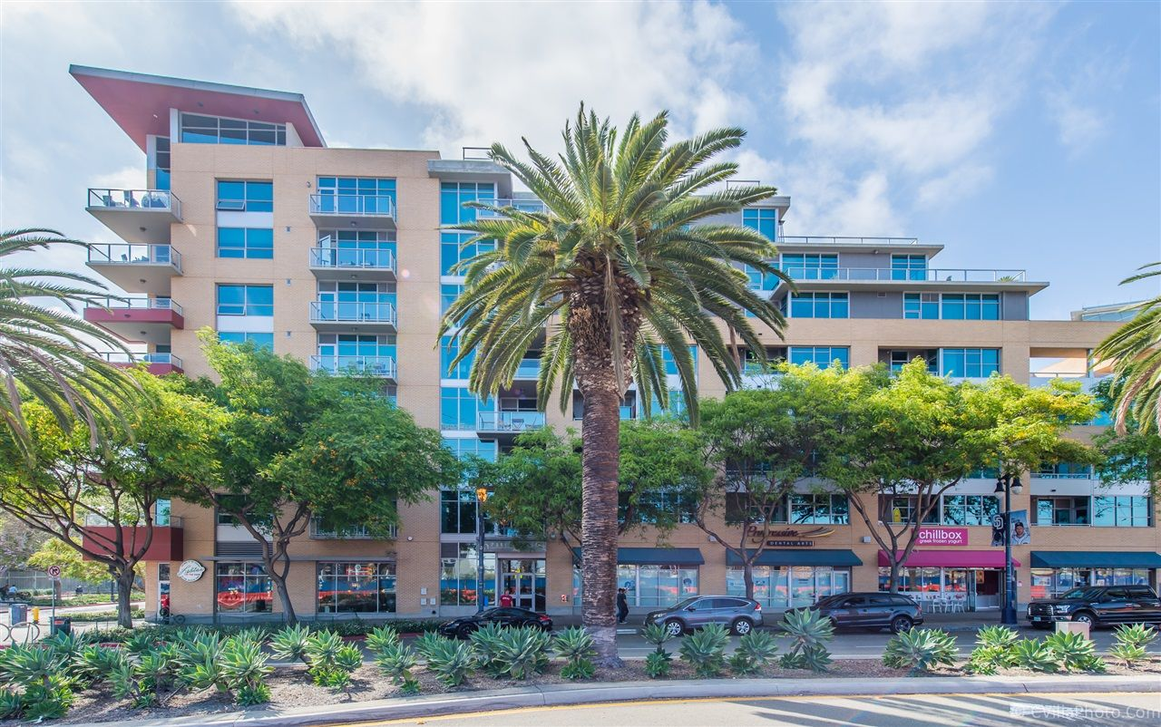 Main Photo: DOWNTOWN Condo for sale : 1 bedrooms : 206 Park Blvd #802 in San Diego