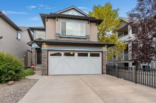 Main Photo: 274 Valleyview Court SE in Calgary: Dover Detached for sale : MLS®# A1148101