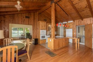 Photo 10: OCEANSIDE House for sale : 3 bedrooms : 2020 Stewart Street
