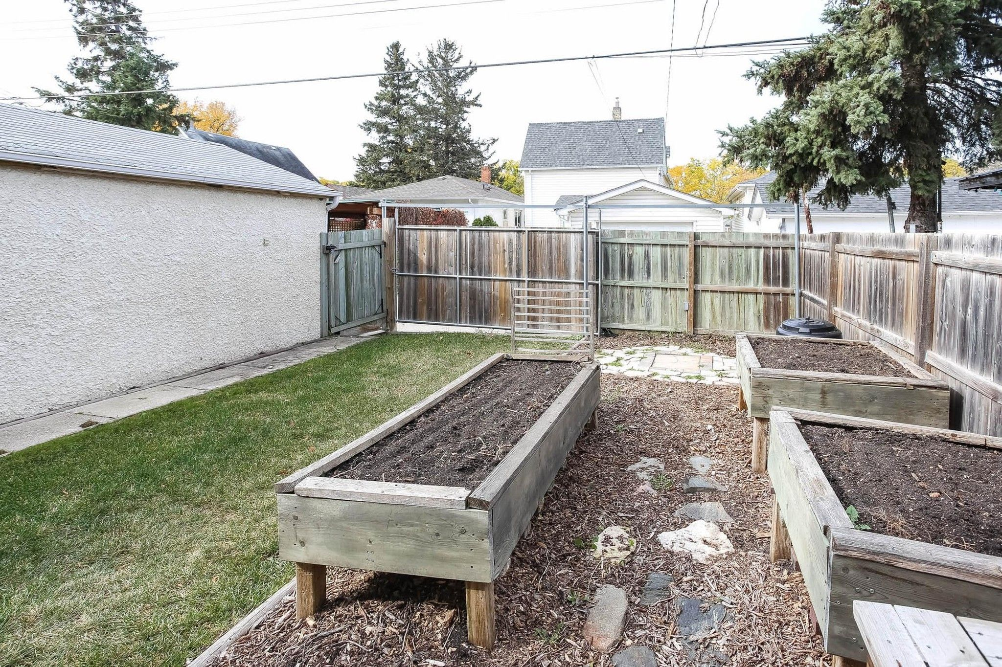 Photo 29: Photos: 790 Spruce Street in Winnipeg: West End Single Family Detached for sale (5C)  : MLS®# 202024710