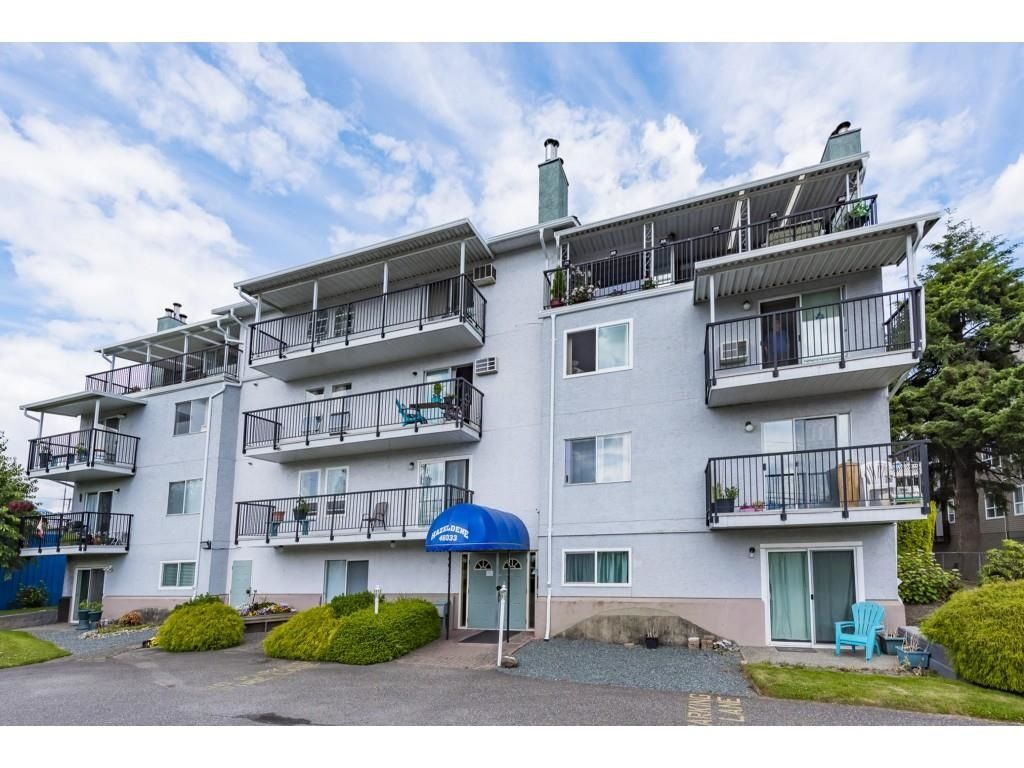 Main Photo: 402 46033 CHILLIWACK CENTRAL Road in Chilliwack: Chilliwack E Young-Yale Condo for sale : MLS®# R2594840
