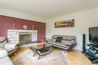 Photo 4: 546 BOURNEMOUTH Crescent in North Vancouver: Windsor Park NV House for sale : MLS®# R2089525