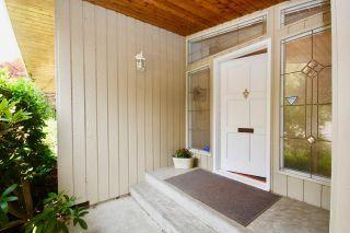 Photo 4: 948 EDEN Crescent in Delta: Tsawwassen East House for sale (Tsawwassen)  : MLS®# R2552284