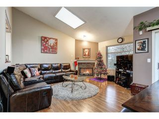 Photo 6: 704 8260 162A STREET in Surrey: Fleetwood Tynehead Townhouse for sale : MLS®# R2019432