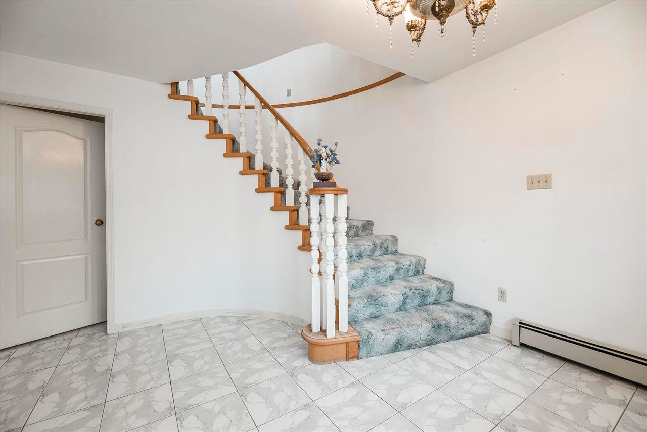 Photo 30: Photos: 5984 E VICTORIA Drive in Vancouver: Killarney VE House for sale (Vancouver East)  : MLS®# R2571656